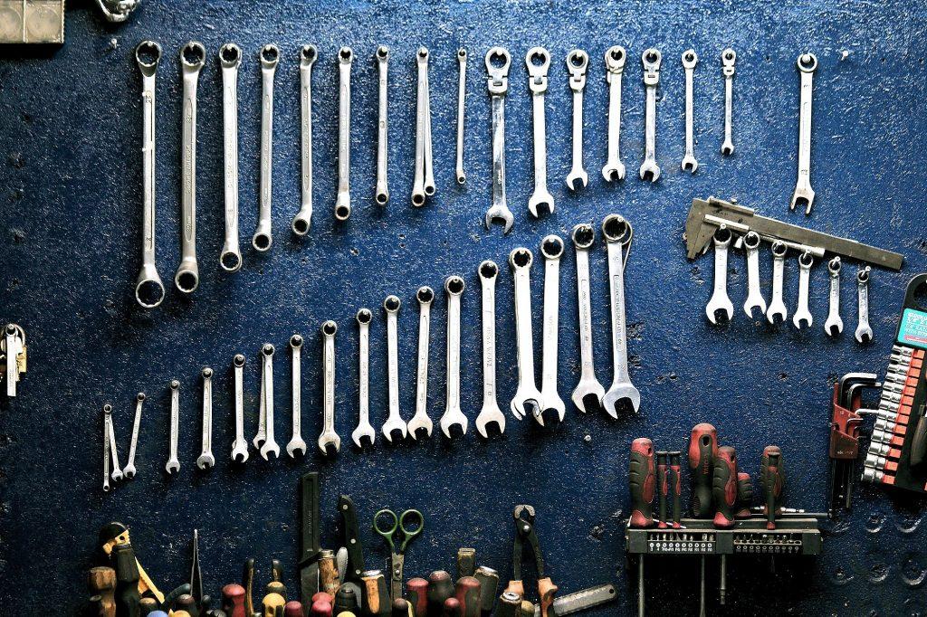 Nachhaltig ist, wer seine Sachen repariert anstatt sie wegzuschmeißen.