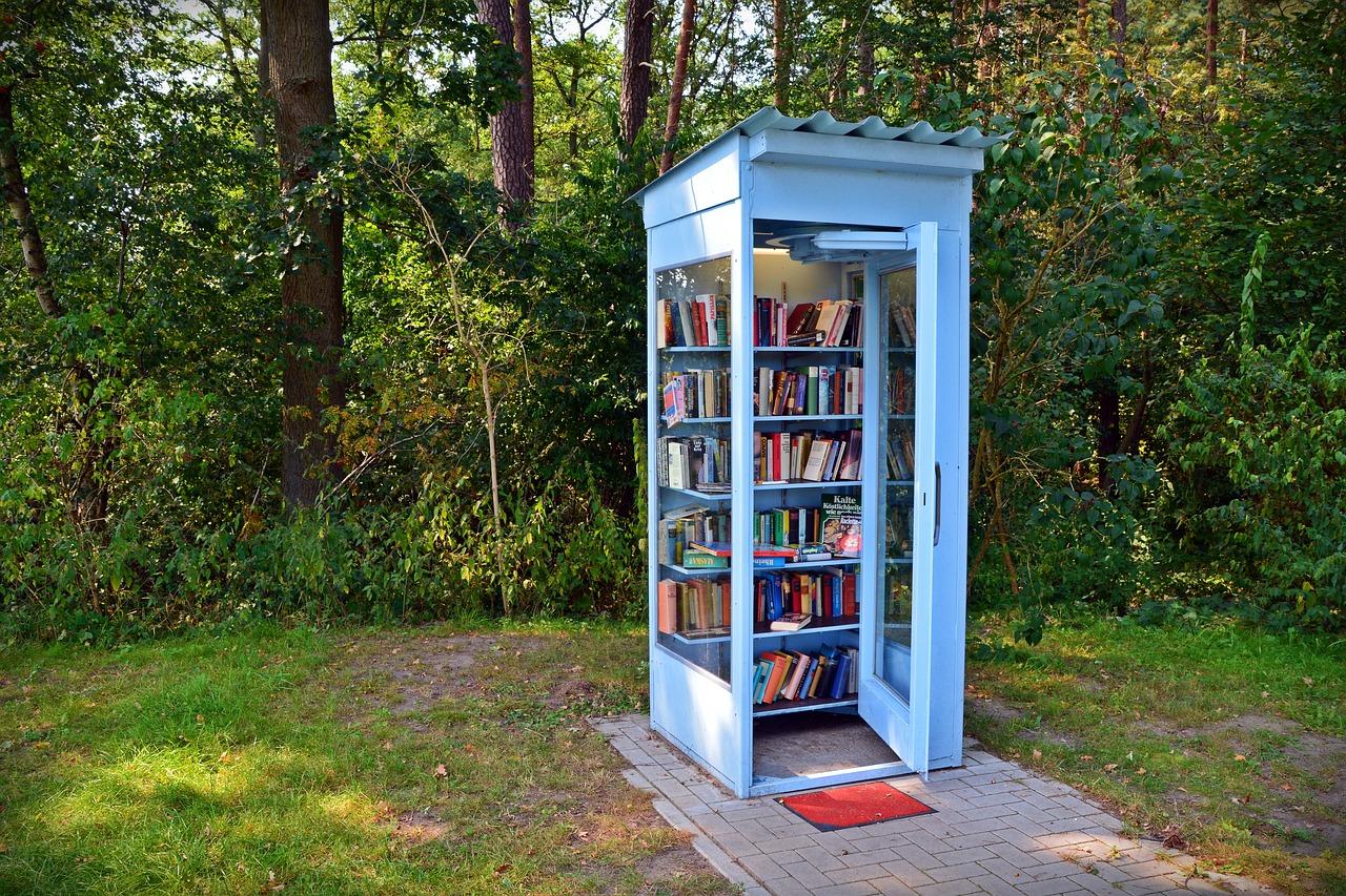 Ein Bücherschrank ist eine Möglichkeit, Dinge zu tauschen.
