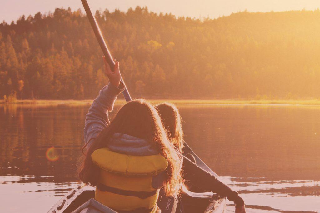 Kanu fahren auf der Wiesent ist toll im Sommer.