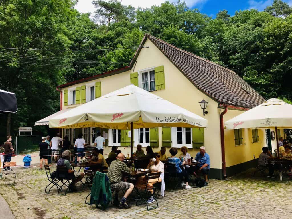 Der Biergarten am Steinbrüchlein in Nürnberg.