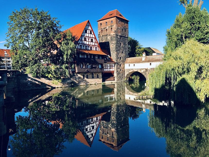 Nürnberg ist eine Stadt in Franken.