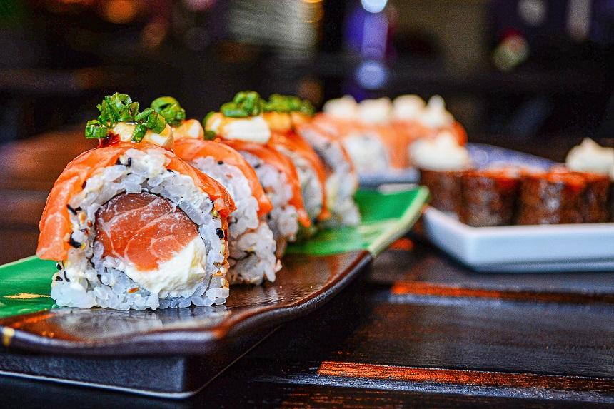 Beim Ginza in Nürnberg kannst du Suhsi essen.
