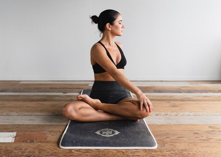 Yoga entspannt Körper und Geist.