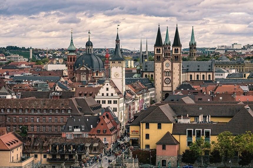 Die Altstadt von Würzburg in Franken.